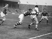 Hudd_v_Saints_Cup_Final_1953-_Large_Devery_Cooper.jpg